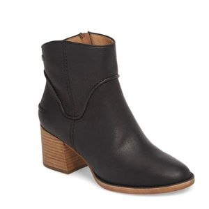 Ugg Western Annie Pebbled Leather Ankle Bootie NIB